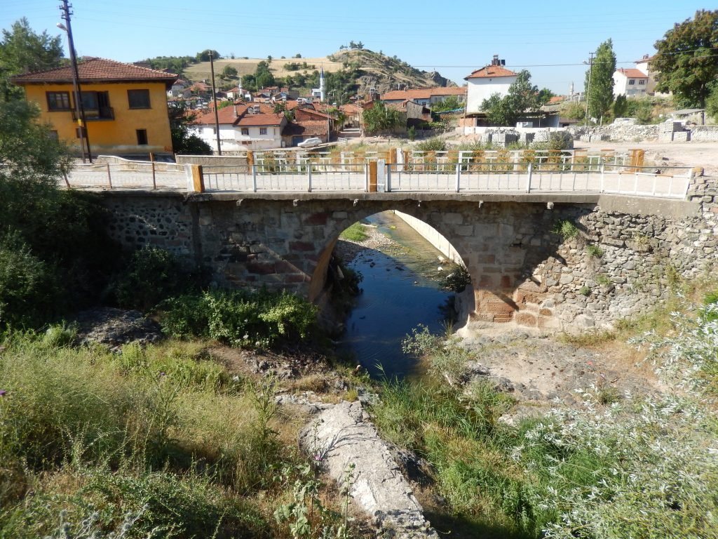 s-eskigediz-bridge-and-aquaduc